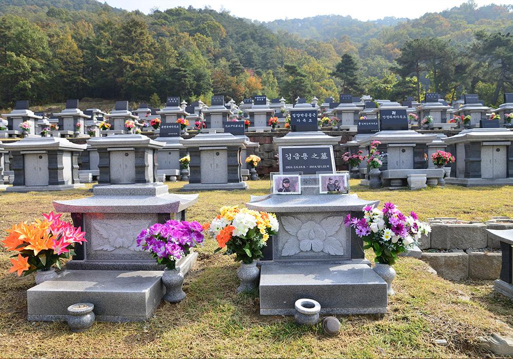 http://yeaeunpark.com/main/02_3_photo_01/700/2.jpg